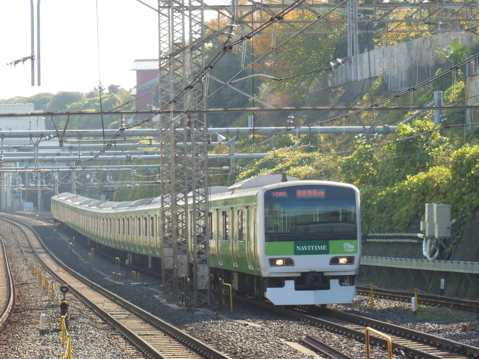 E231系トウ545みどりの山手線 西日暮里 (2)