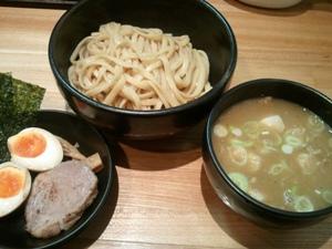 づゅる麺 豚味1