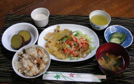 23-10-11食事