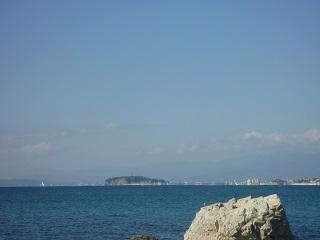 森戸神社から見る江の島