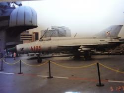 NY空母MIG21縮小