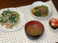 8/23 夕食 肉もやし炒め、オクラの煮浸し、キムチもずく酢、枝豆のみそ汁