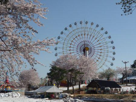 雪の遊園地