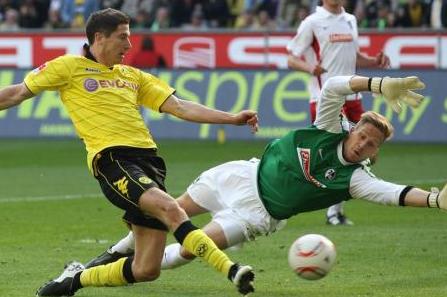 3-0 gegen Freiburg-Fotostrecke- BVB kann den Meistersekt kalt stellen- Ruhr Nachrichten_1303061998614