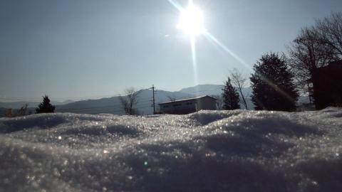 春待つ氷雪