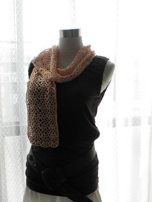 絹つむぎ糸のビーズ編みストール~ピーチカラー1
