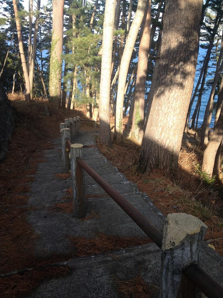 巨釜半造 階段