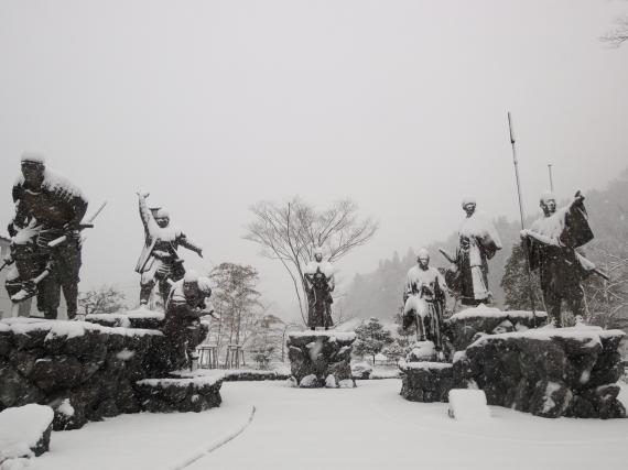 雪に像 全体_convert_20110212201056