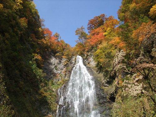 くろくまの滝黄葉001