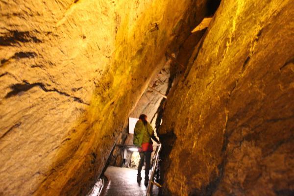竜ヶ岩洞2