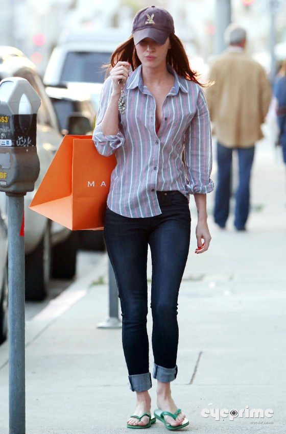 Megan Fox out shopping in Hollywood, Mar 11