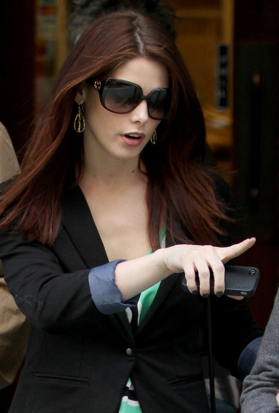 Ashley Greene out shopping with Mom and Dad in NY, Mar 19