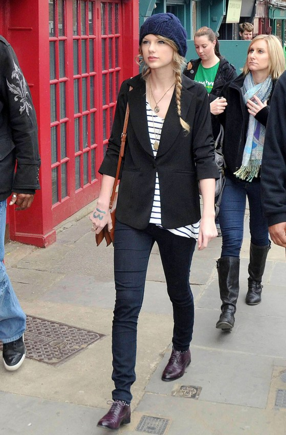 Taylor Swift seen shopping in Notting Hill, Mar 22