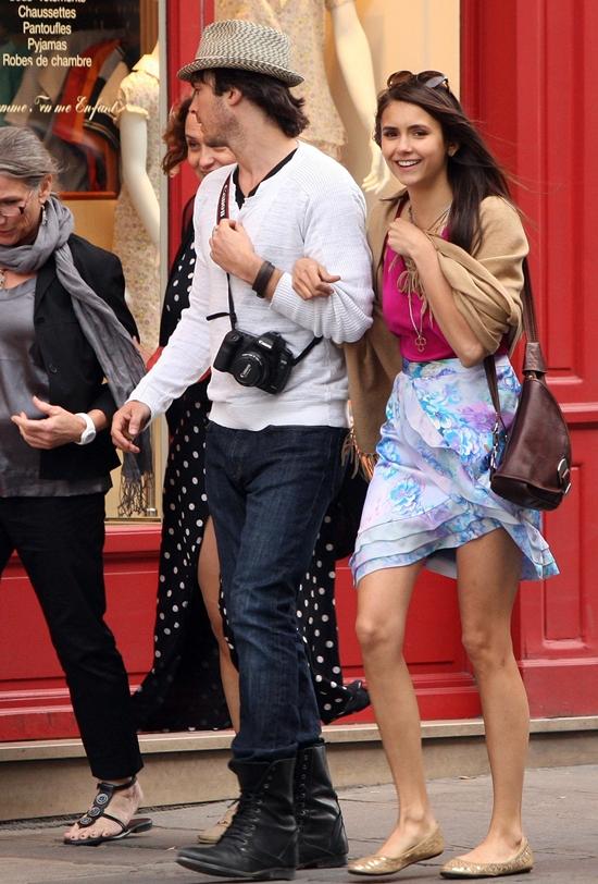 ニナ・ドブレフ&イアン・サマーホルダー パリでデート♪