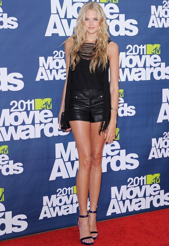 Gabriella Wilde Shows Some Leg At The MTV Movie Awards