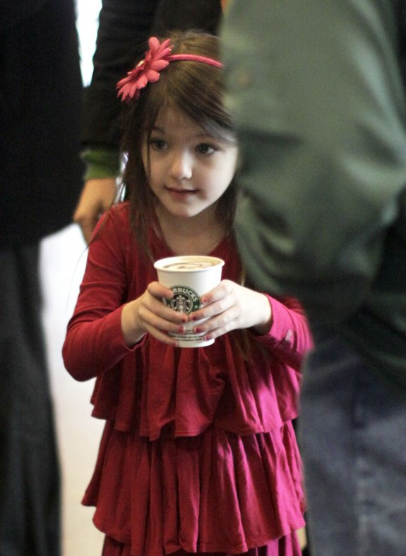 Suri Cruise Stops For Starbucks