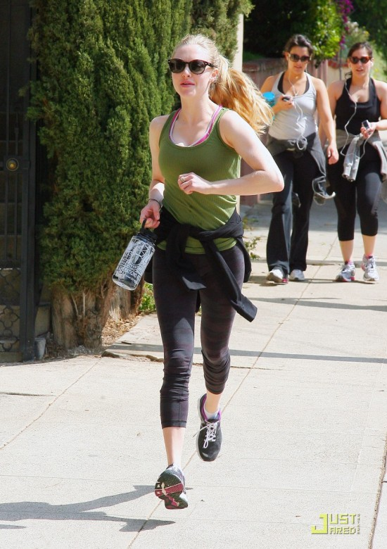 Amanda Seyfried Hiking in Hollywood Hills with Ryan Phillippe