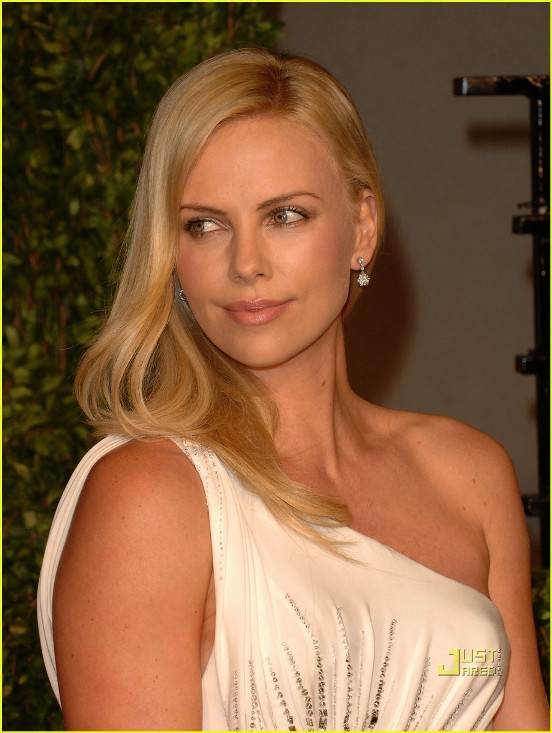 Charlize Theron At The 2011 Vanity Fair Oscar Party
