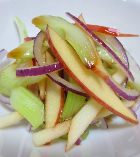セロリとりんごのサラダ 大
