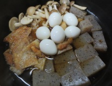 うずらと鶏皮のうま煮 調理③
