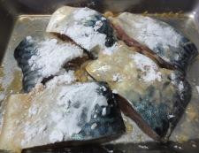 揚げサバのみぞれ煮 調理①