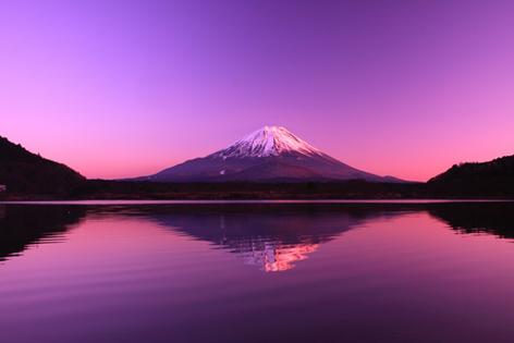 精進湖の夕景