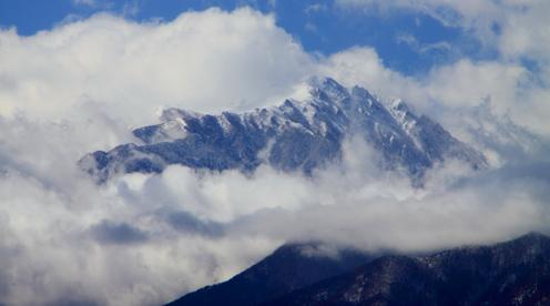 雲まとう空木岳