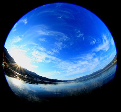諏訪湖と天空と
