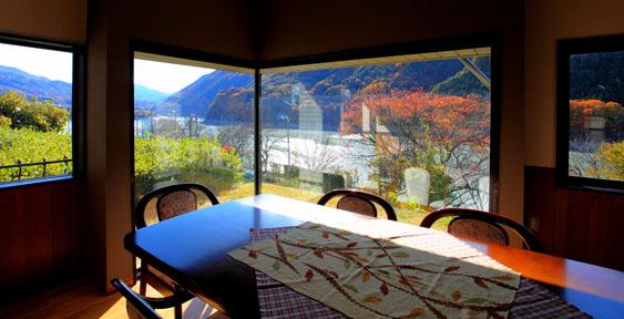 展望ルームから望む秋景色