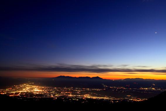 八ヶ岳と佐久平の夜景