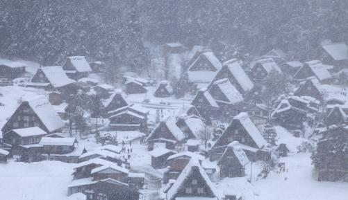 降雪の合掌集落