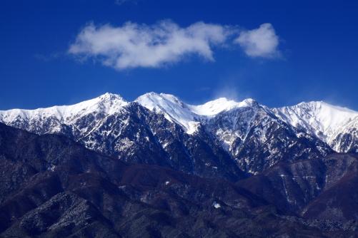 空木岳、南駒ヶ岳、仙涯嶺と雲