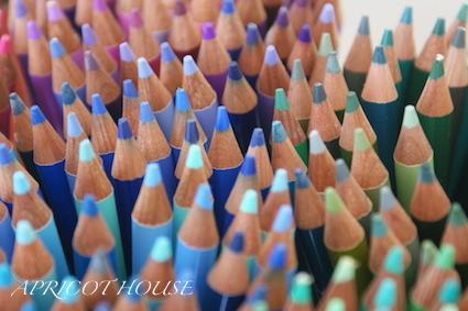 141205色鉛筆400とんがり