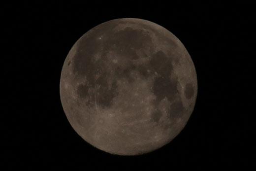 十六夜の満月 111012