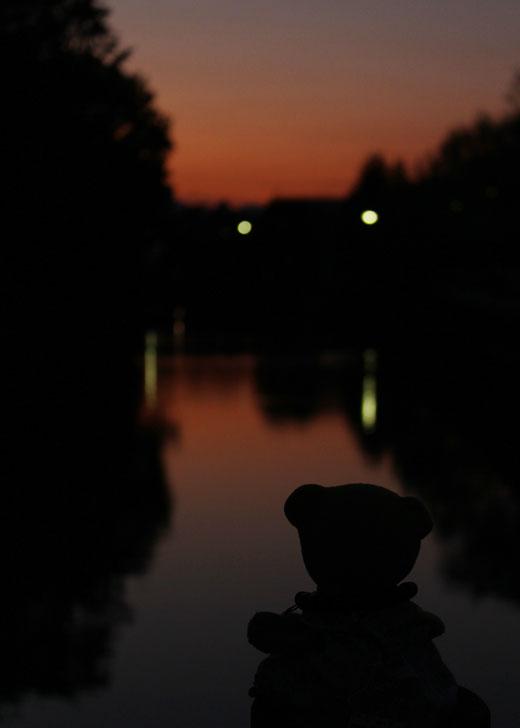 北御門橋から夕景・くまピン 111027