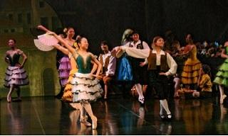 扇子の踊り2