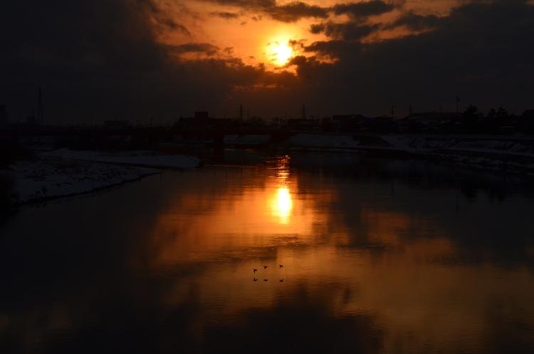 川面の夕陽-2