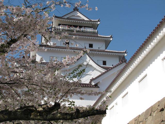 12.4.28-3鶴ヶ城