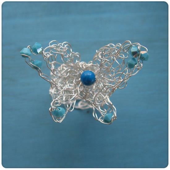蝶のリング サックスブルー