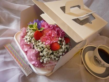 2011.6梅雨にピッタリの贈り物♪お花のケーキp3