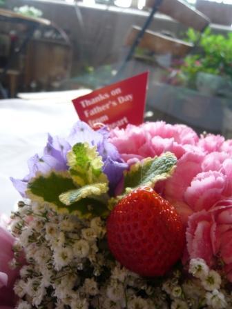 2011.6梅雨にピッタリの贈り物♪お花のケーキp7