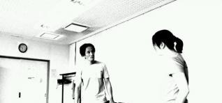 2人芝居の練習中の2人