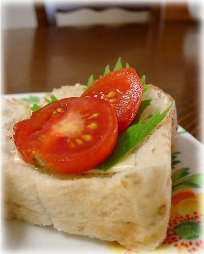 朝食セサミブレッド1