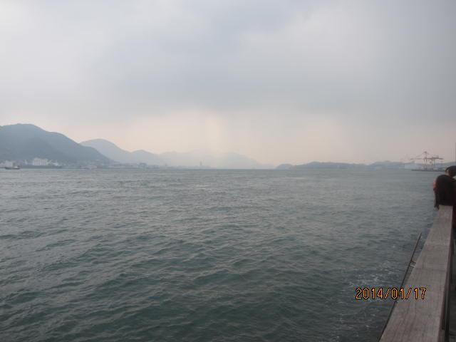 関門海峡彦島方向