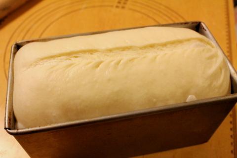 13.12.23デニッシュ食パン_焼成前