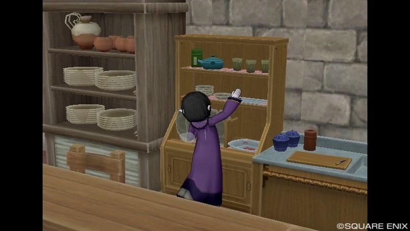 食器棚に手が届かない。