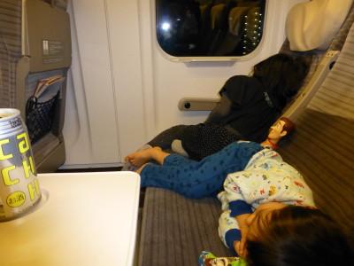 新幹線で爆睡