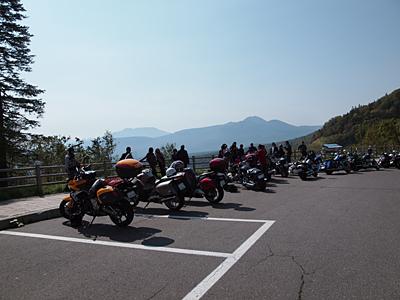 三国峠のバイク群