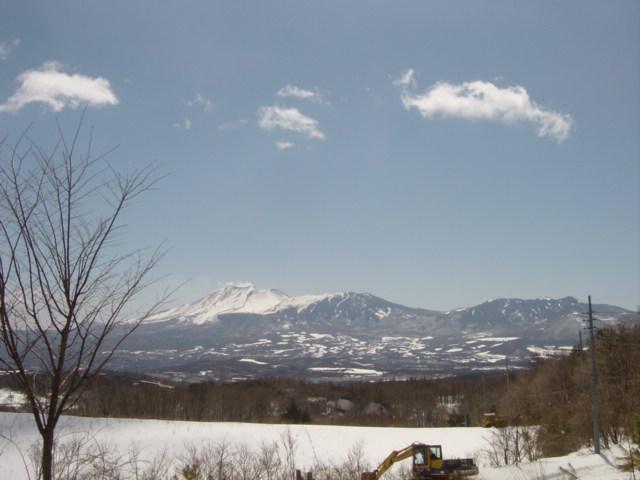 庭先より望む浅間山