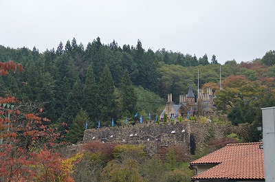 山の中のロックハート城